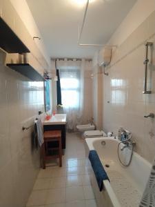 A bathroom at The Architect