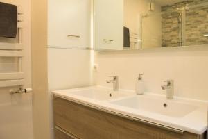 Een badkamer bij Tussen Gracht en SintJan