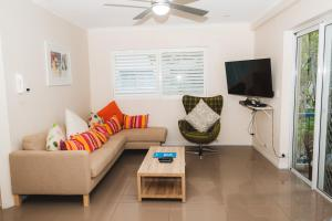 A seating area at Sanctuary Lake Apartments