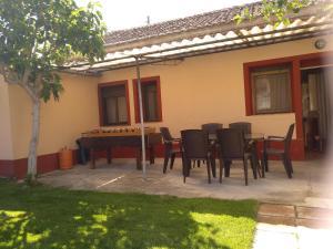 Un patio o zona al aire libre en Casa Rural Las Barricas