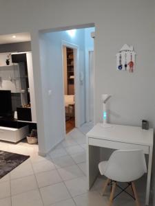 A bathroom at Leo's home