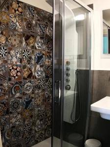A bathroom at B&B La Muraglia
