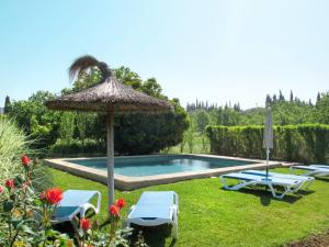 The swimming pool at or near Holiday Home Casa Veleta - CPT170