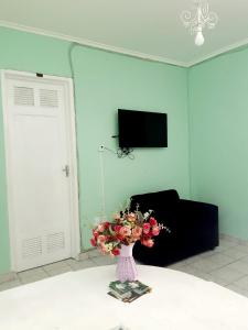 A television and/or entertainment centre at sol nascente