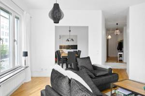 A seating area at Exclusive apartment Stockholm