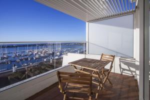 A balcony or terrace at Hotel Gaivota Azores