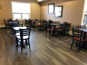 A restaurant or other place to eat at Pilgrim Inn