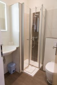 Ein Badezimmer in der Unterkunft Hotel Restaurant Lathener Marsch