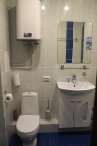 Ванная комната в АПАРТАМЕНТЫ ОДНОКОМНАТНЫЕ УРАЛОЧКА