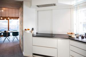 A kitchen or kitchenette at The Roastery