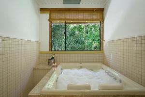 A bathroom at Eco Resort Hotel Villa São Romão