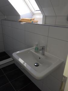 A bathroom at Hotel Weinert