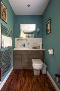 A bathroom at Maplestone