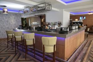 The lounge or bar area at The City Hotel