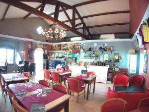 Restaurant ou autre lieu de restauration dans l'établissement Atoll Hotel restaurant