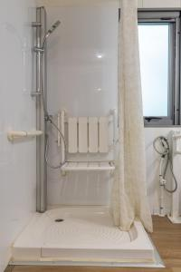 A bathroom at Camping Village Santapomata