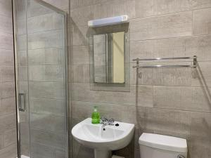A bathroom at Southernwood - Wantage Road Studio 1