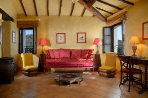 A seating area at La Bagnaia Golf & Spa Resort Siena - Curio, A Collection by Hilton