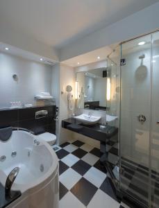 ラディソン ブル ホテル ルサカにあるバスルーム