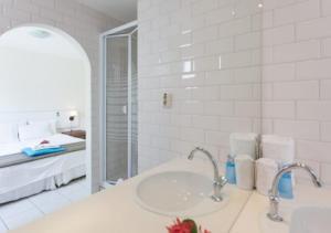Um banheiro em Apartamento Vacacional con Terraza en Curacao