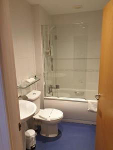 A bathroom at The Inn At Lathones