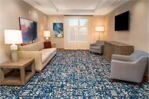 A seating area at Homewood Suites By Hilton Rancho Cordova, Ca