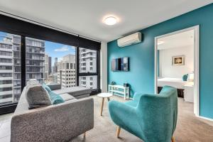 A seating area at Pegasus Apart-Hotel