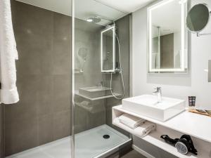 Salle de bains dans l'établissement Novotel Den Haag City Centre '' Reopend June 2020, fully renovated''