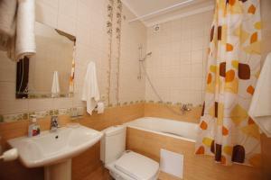 A bathroom at Mini Hotel Laza