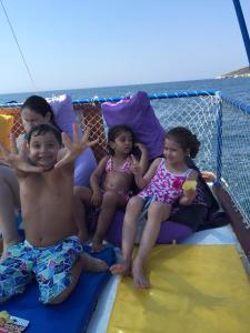 Bambini che soggiornano presso Ayshe Hotel
