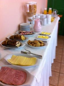 Opciones de desayuno disponibles en Hotel Saltos del Paine