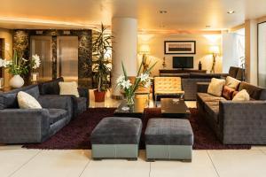 El lobby o recepción de Hotel Crans Montana