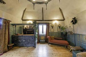 The lobby or reception area at The lazy hare