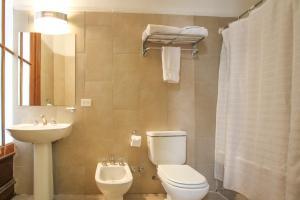 A bathroom at Milhouse Avenue