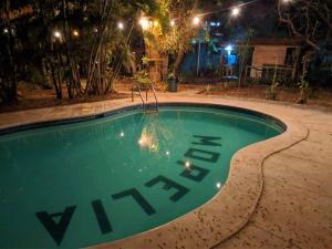 The swimming pool at or near Hotel Mopelia - El Tunco