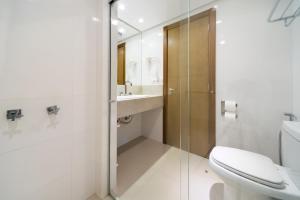 A bathroom at Hotel Laghetto Gramado