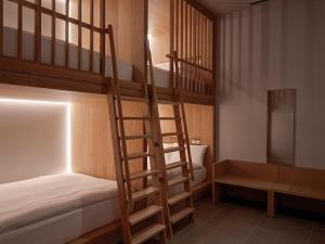 A bunk bed or bunk beds in a room at Zedwell Piccadilly