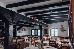 Un restaurante o sitio para comer en Mas Gallau