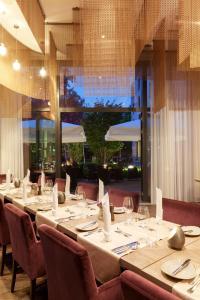 En restaurant eller et andet spisested på Steigenberger Parkhotel Braunschweig