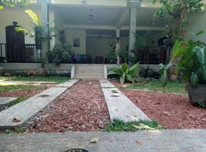 A garden outside Ging View Villa
