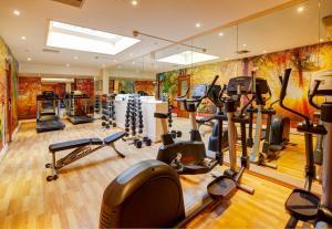 Centrum fitness w obiekcie Copthorne Tara Hotel London Kensington
