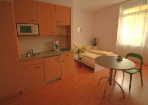 Küche/Küchenzeile in der Unterkunft Wohnen in Innsbruck