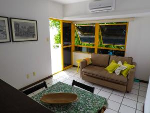 A seating area at Apartamento Gamboa de Cima