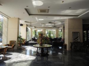 Hall ou réception de l'établissement Huu Nghi Hotel
