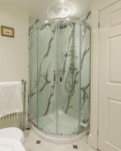 A bathroom at Old Hall Hotel