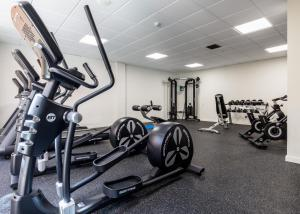 The fitness center and/or fitness facilities at Almuñecar Playa Spa Hotel