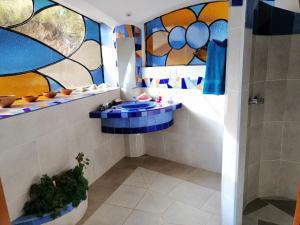 A bathroom at Hostal Las Olas