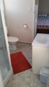 A bathroom at Glenview Hometel