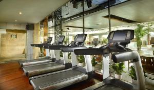 The fitness center and/or fitness facilities at Mercure Xi'an on Renmin Square