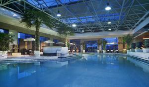 The swimming pool at or near Mercure Xi'an on Renmin Square